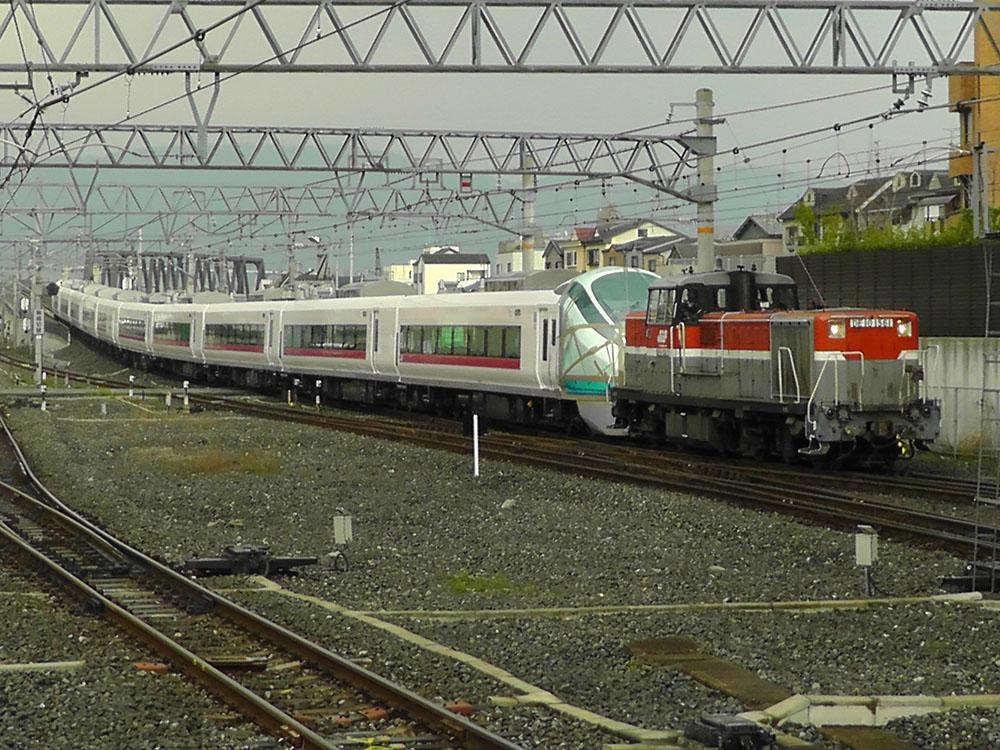 放出駅に入駅するE657系甲種輸送列車 引いてもう1枚撮影