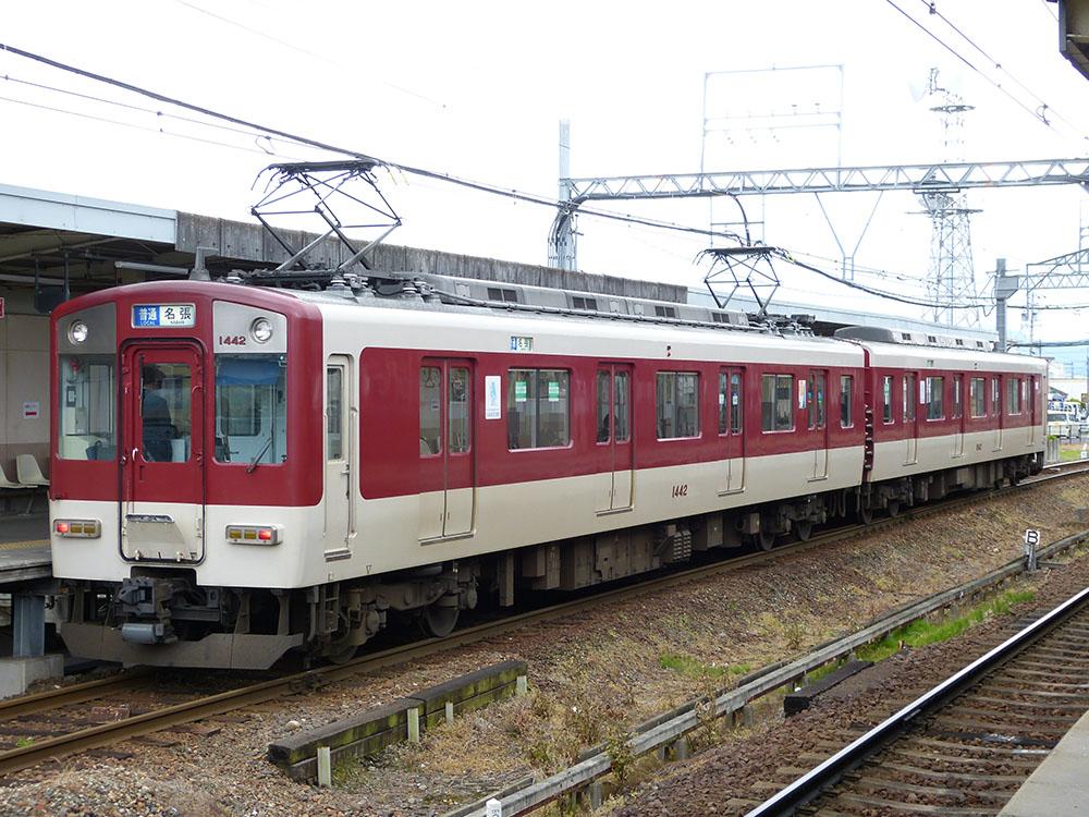 近鉄大阪線名張~伊勢中川間を走る普通