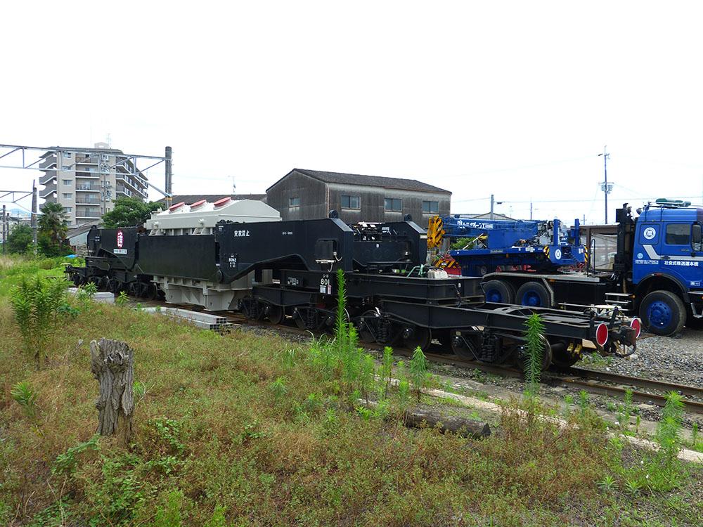 京終駅の側線に留置されている特大貨車シキ801B